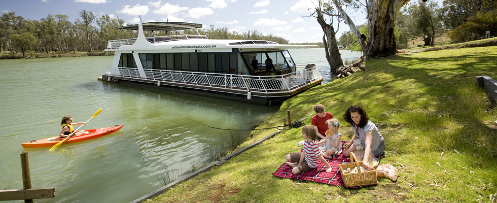 Houseboating-on-the-Murray-River-Mildura